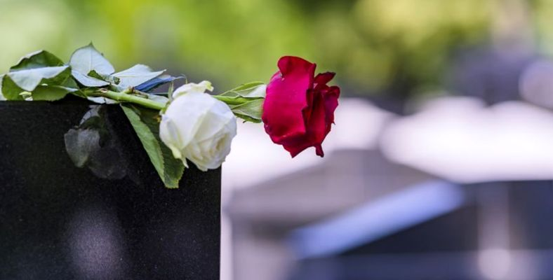 Евтини надгробни плочи по поръчка